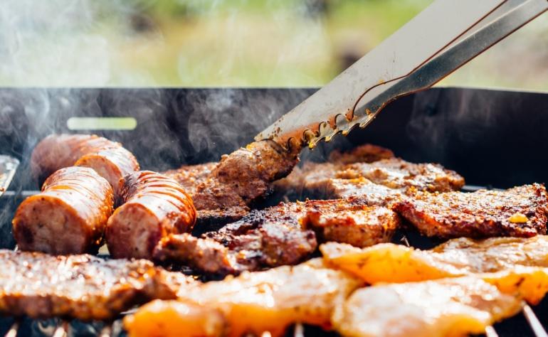 Griglia, barbecue e piastra? Causano tumore, malattie cardiache e diabete.